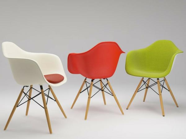 Designer Möbel   Eames Shell Stühle aus Fiberglas