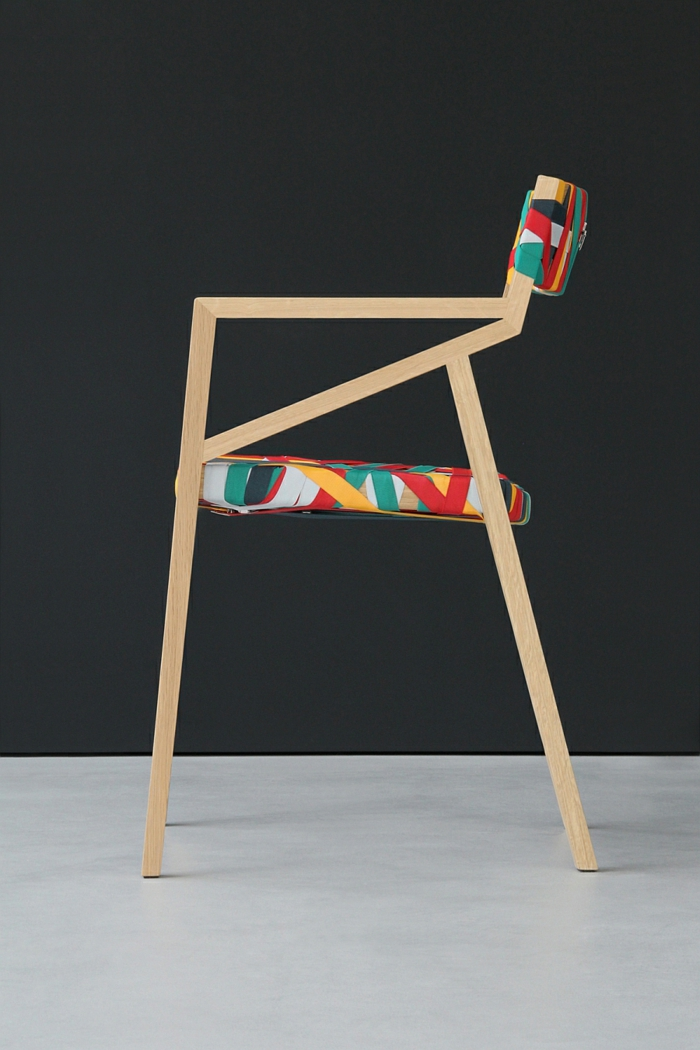 designer möbel stuhl holz bunte hosenträger bretelle Luca Martorano Georg Muehlamm