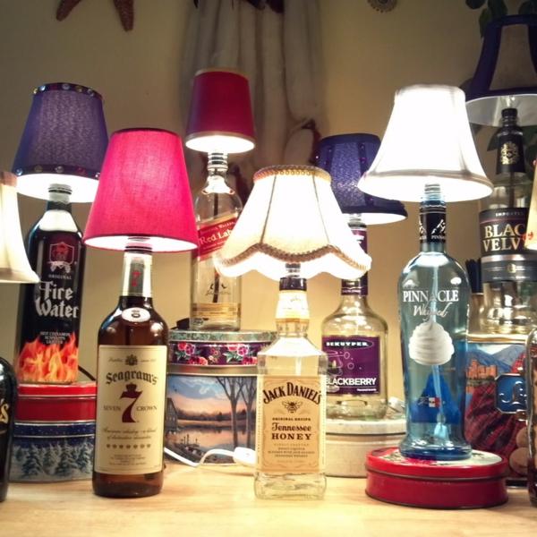 diy lampe aus weinflasche liquorflaschen