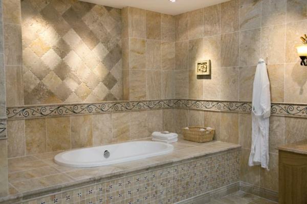 eingebaute badewanne fliesen fliesenmuster badezimmer wandfliesen beige holzoptik - Badewanne Holzoptik