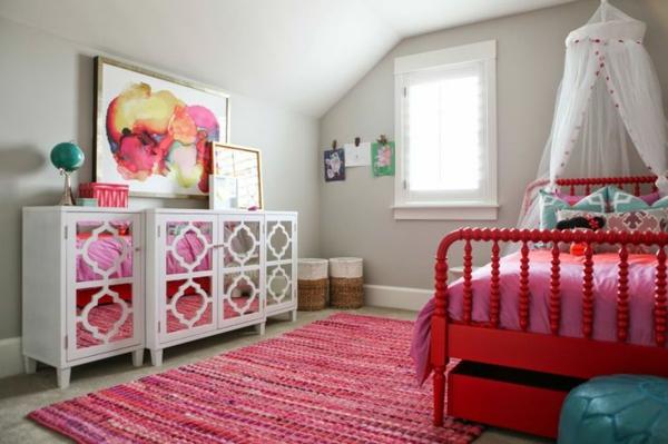 farbideen kinderzimmer rosa teppich bett