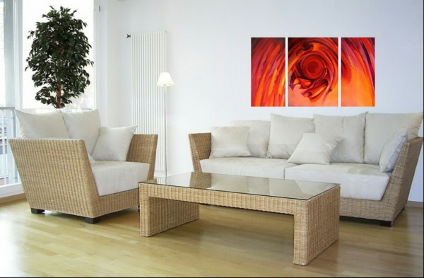 feng shui wohnzimmer positive energie zimmerpflanzen rattan möbel wanddeko