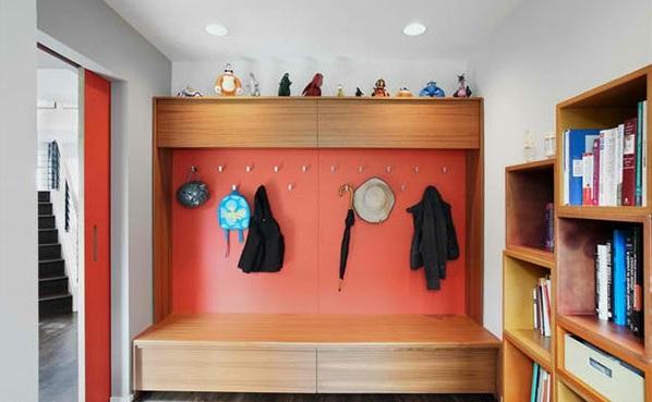 einrichten gestalten orange aufhänger kleider flur