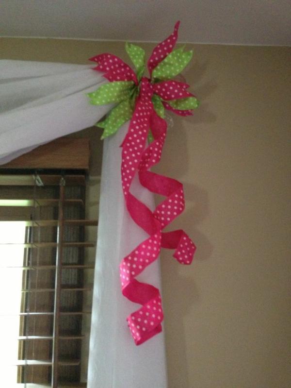 dekorationsvorschläge vorhänge schleife geschenkpapier