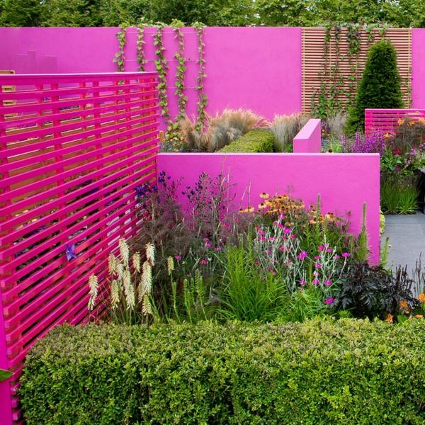 gartengestaltung und landschaftsbau gartenzaun streichen farbgestaltung ideen pink
