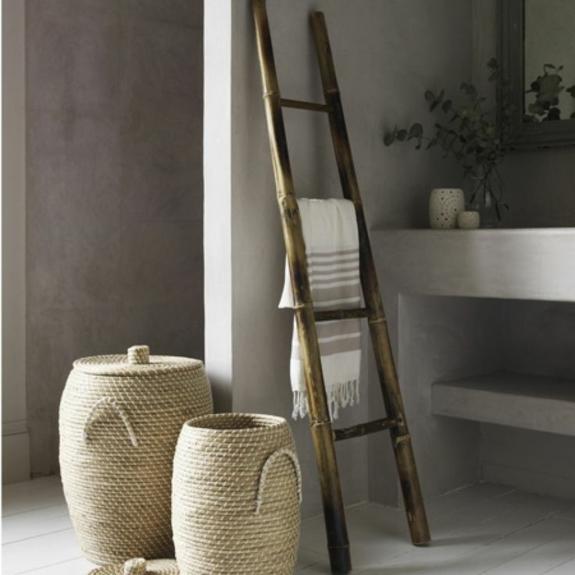 handtuchleiter holz bedezimmer möbel nachhaltiges design bambus korbmöbel holzboden