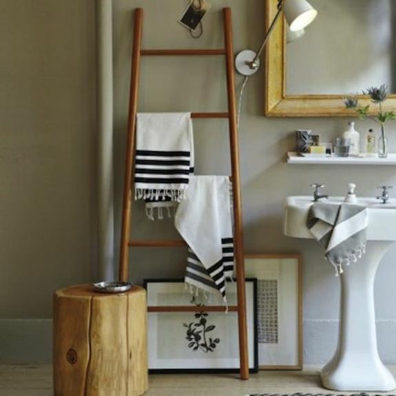 holz handtuchleiter handtuchtrockner rustikale bedezimmer möbel