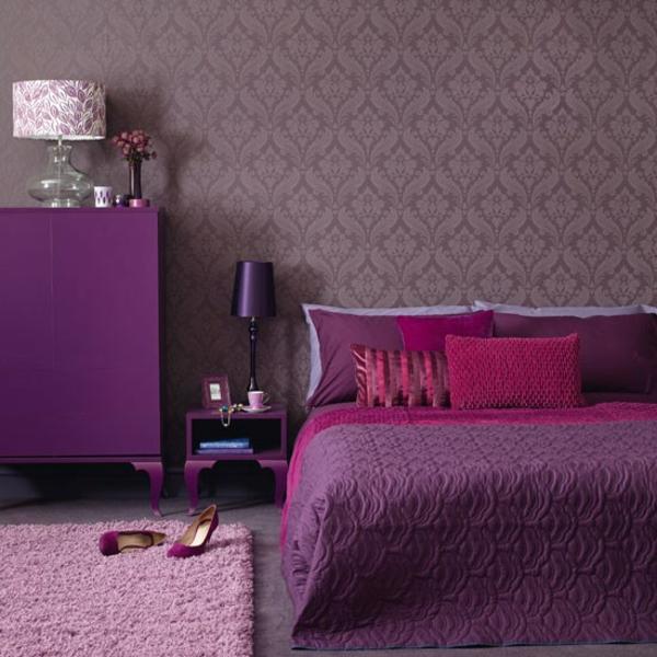 ideal wohnen schöner purpurrote bett