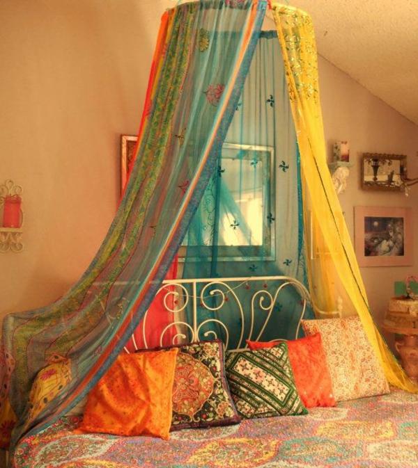 Orientalisches himmelbett  Orientalisches Schlafzimmer gestalten - wie im Märchen wohnen