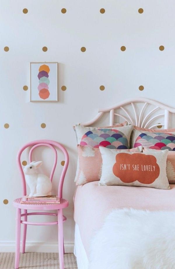 jugendzimmer mädchen tapete punktmuster rosa stuhl