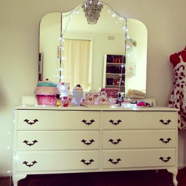 jugendzimmer mädchen schminktisch spiegel