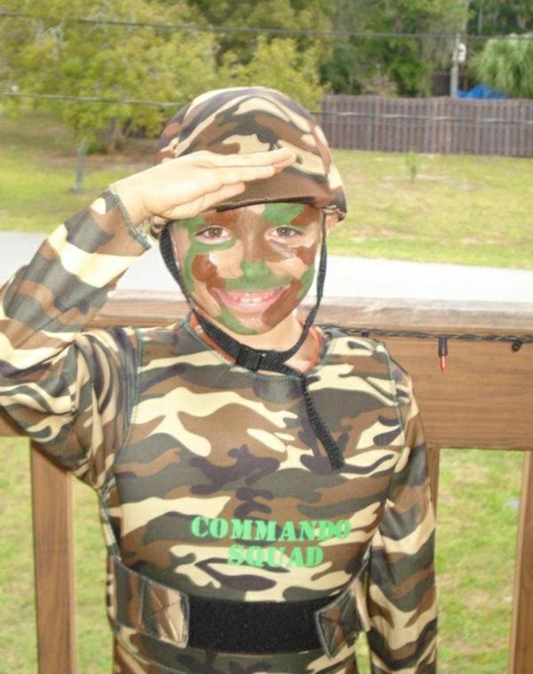 karnevalskostüme toll kleiner soldat