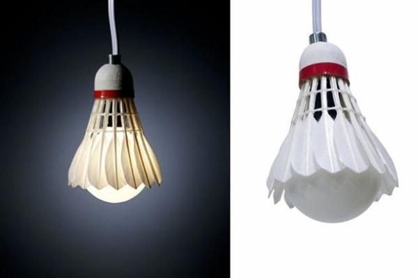 lampe-glühbirnenform-diy-deko-federball