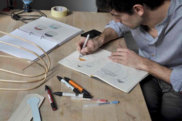 lampen und leuchten designer hängeleuchten Tull designer Tommaso Caldera am arbeiten