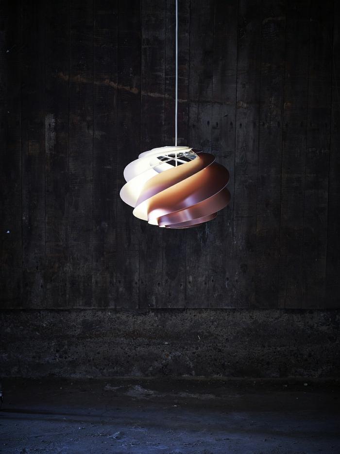 designer leuchten pendelleucheten mit spiralf rmigem design. Black Bedroom Furniture Sets. Home Design Ideas