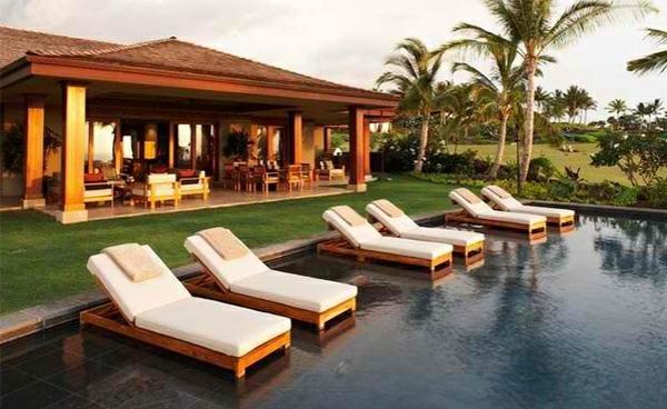 lounge möbel relax liegestuhl direkt am pool