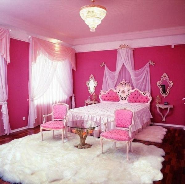 luxus-jugendzimmer-mädchen-rosa-wand-himmelbett-weißer-teppich