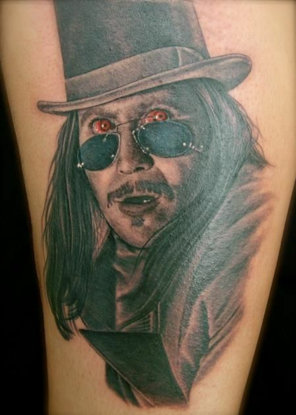 tattoo oberarm ideen vampir