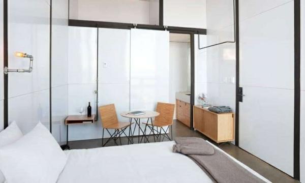 mini bungalow holz innendesign schlafzimmer möbel ausgefallene hotels