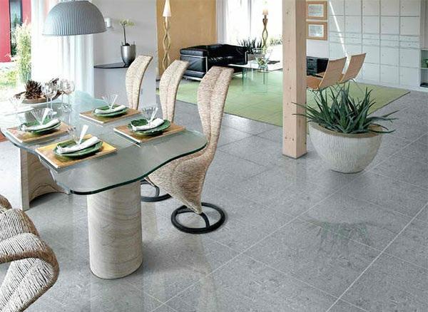 moderne esszimmer esstisch mit stühlen betonplatten bodenbelag offener wohnraum