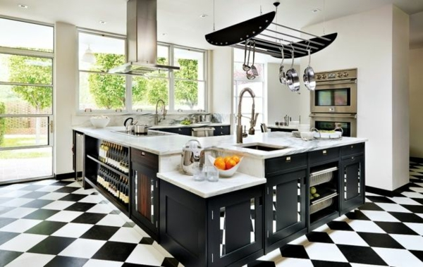 modulküchen designideen küche schwarz schachbrett boden