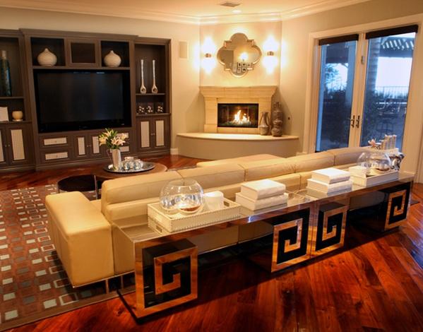 moderne wohnzimmermöbel spiegelfläche beistelltisch kamin wandspiegel