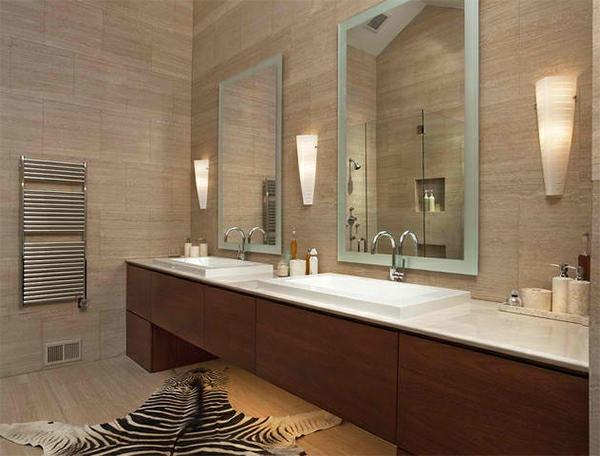Badezimmer Design Badspiegel Teppich Tigermuster