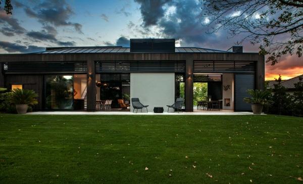 modernes haus neuseeland architektenhaus außenbereich rasen architektur und design