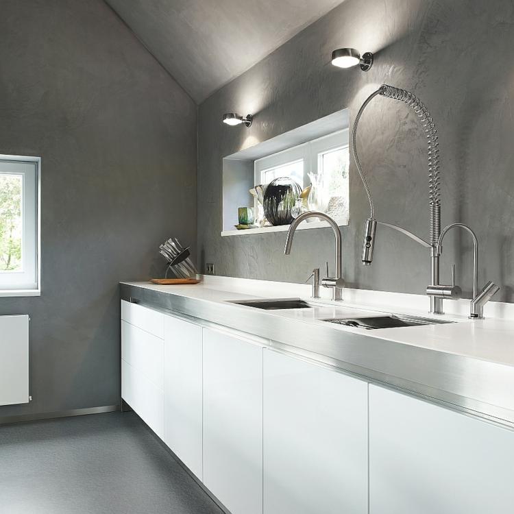 nichtrostender edelstahl küchenarmatur moderne küche wasserhahn wände betonoptik