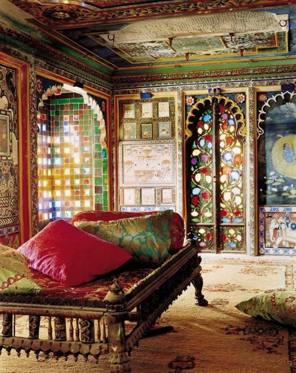 Orientalisches Schlafzimmer – Dekorative Decke mit Holzbalken