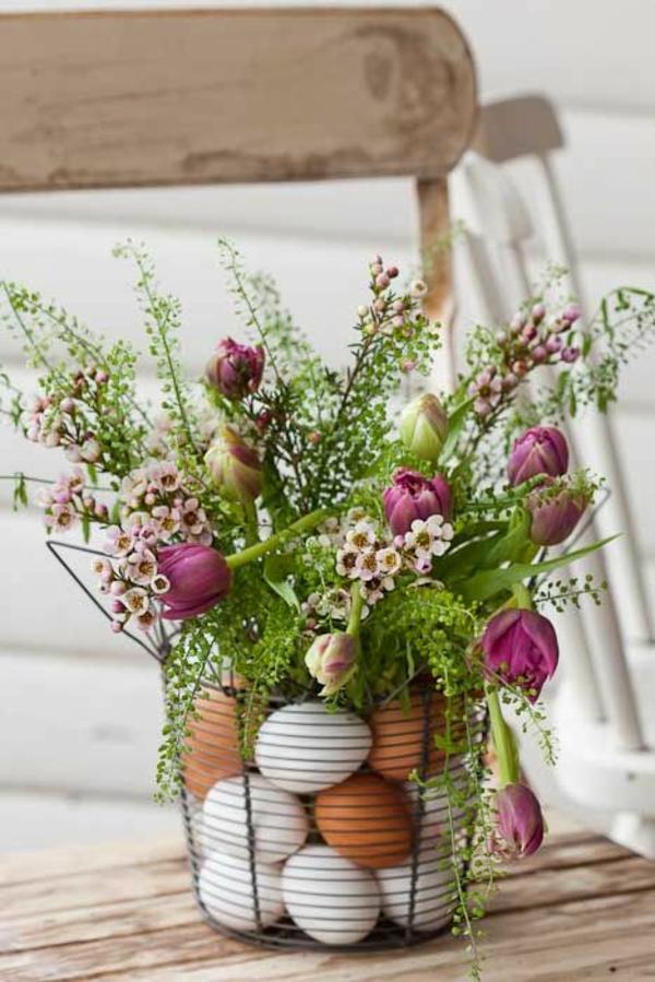 ostergestecke selber machen frühlingsblumen tulpen eier