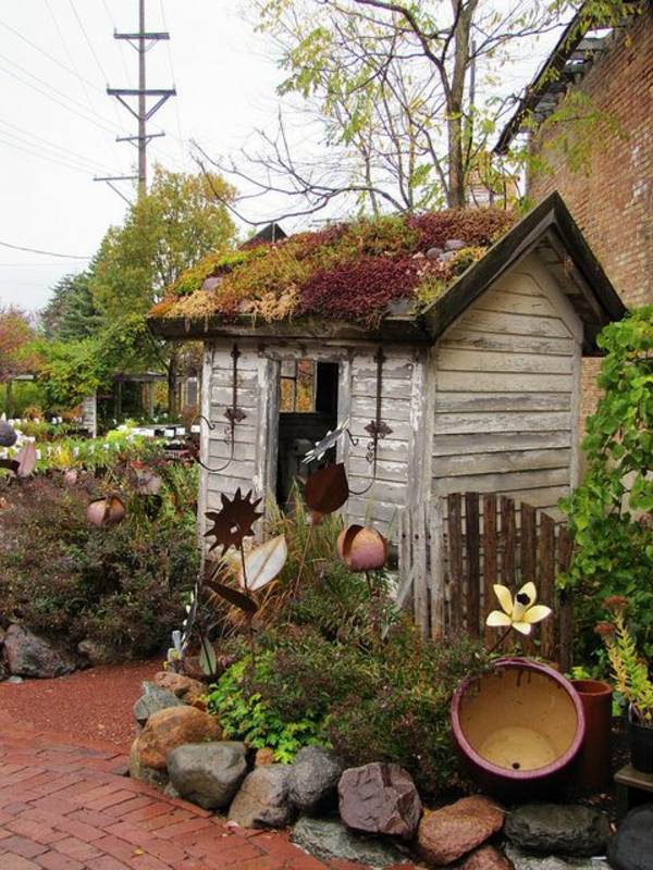 dachbegr nung gartenhaus exterior in gr n. Black Bedroom Furniture Sets. Home Design Ideas