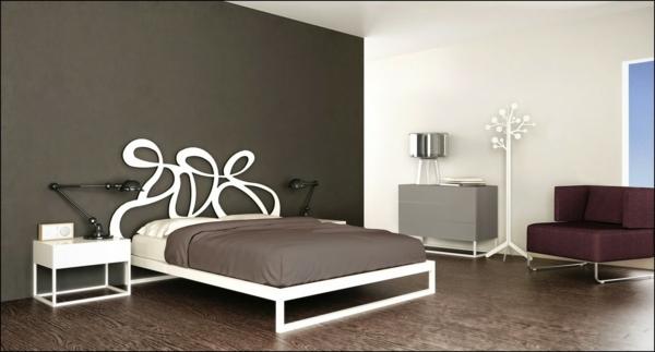 schlafzimmer gestalten metallbett weißes bettgestell kopfteil geschwungene formen taupe wandfarbe