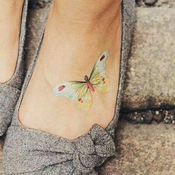 schmetterling tattoo bedeutung fuß