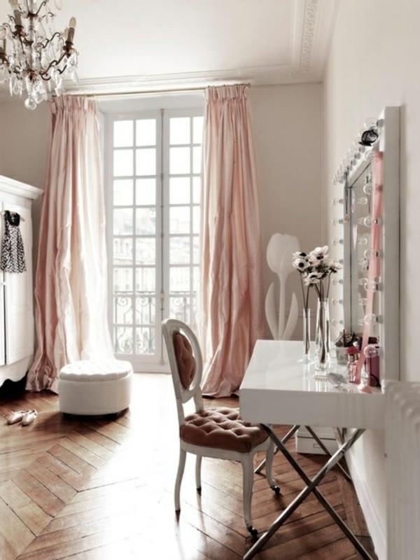 schminktisch spiegel leuchten ankleidezimmer einrichten begehbarer kleiderschrank