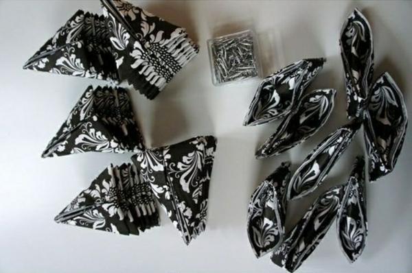 schwarz weiß papierservietten falten tischdeko bastelideen aus servietten