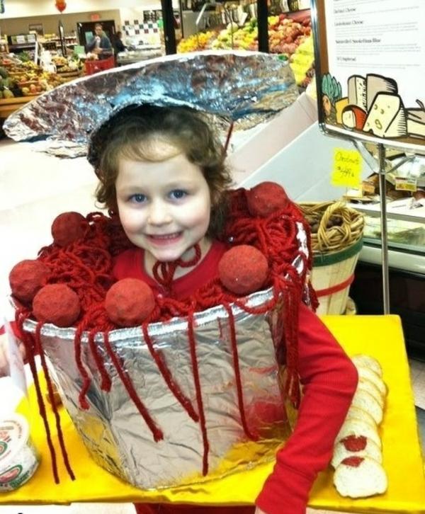 selbstgemachte kostüme fleischkloß und spagetti