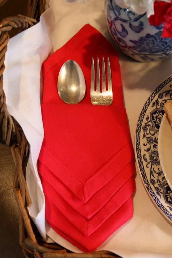 servietten falten tischdeko ideen rote stoffserviette