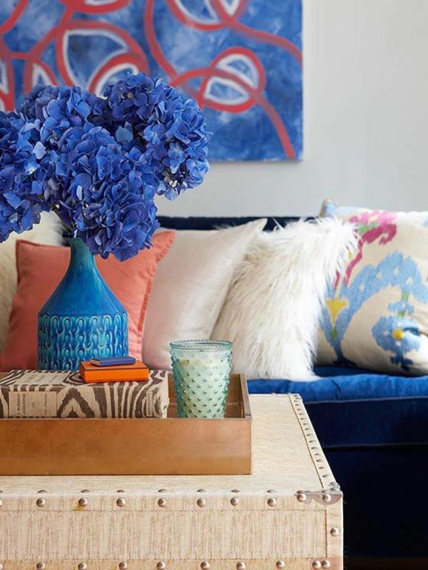 dekoration blaue vase blumen