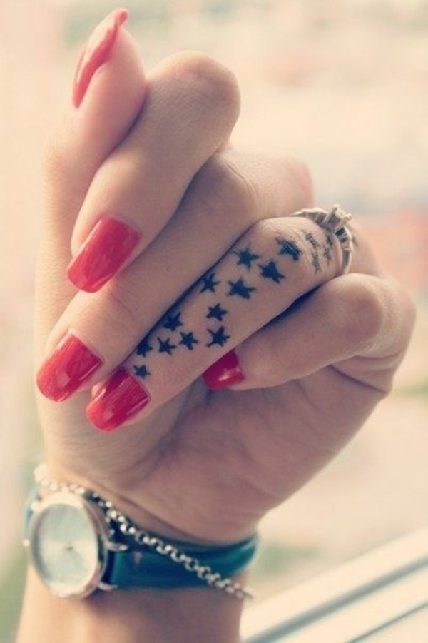 tattoo sterne coole tattoos motive finger