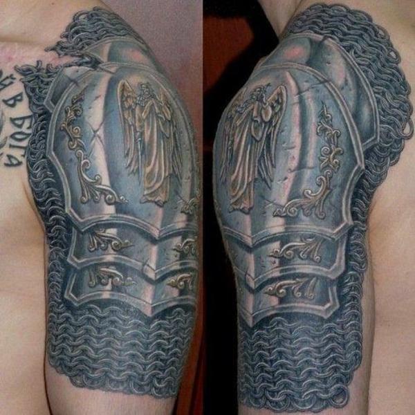 tattoos bilder für männer panzer motiv oberarm tattoo