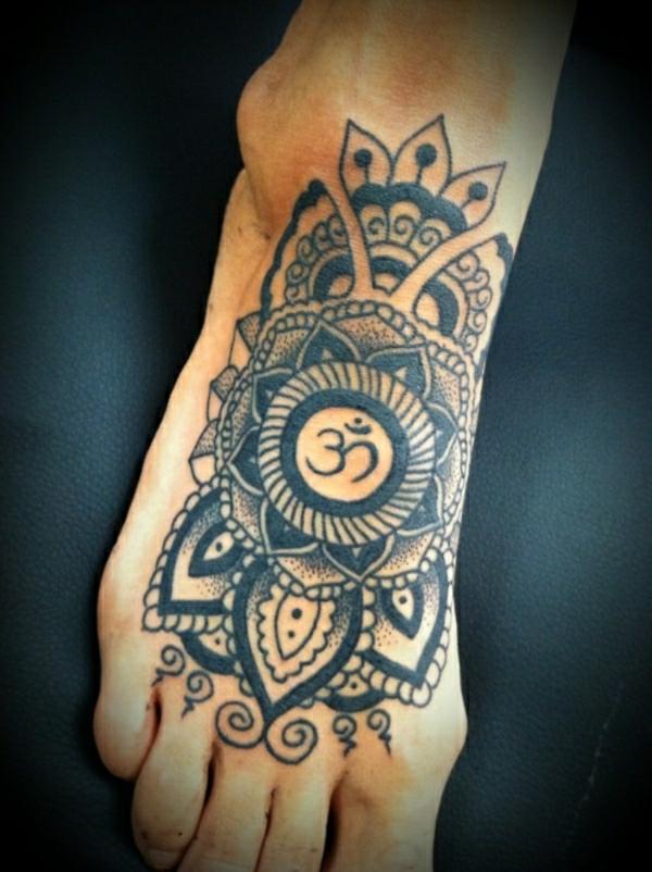 tattoos ideen tattoo fuß polynesische kunst