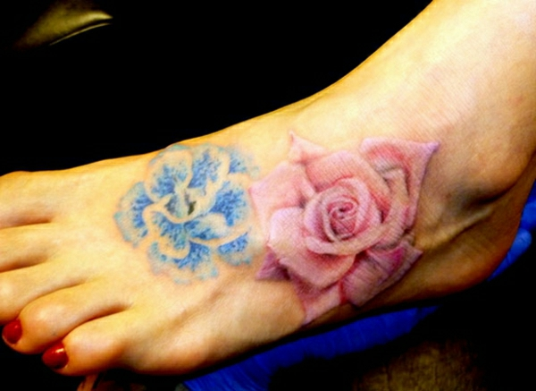 tattoos tattoo am fuss farbige rosen