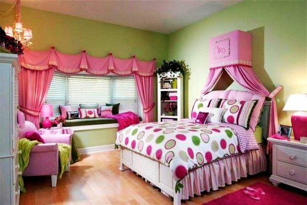 jugendzimmer mädchen rosa gardinen fensterbank