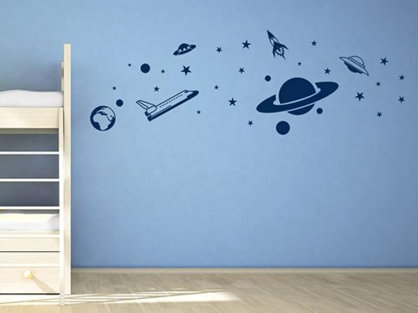 wandgestaltung kinderzimmer jungenzimmer einrichten wandtattoo weltall wandfarbe blau