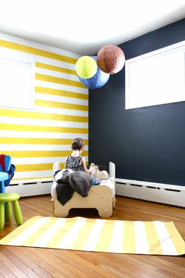 Wandgestaltung Kinderzimmer Gelb Weiße Streifen