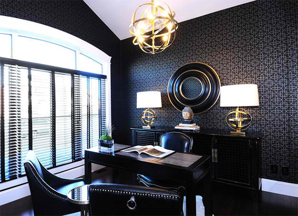 wandtapeten muster homeoffice dekorieren moderne büromöbel polstersessel kronleuchter