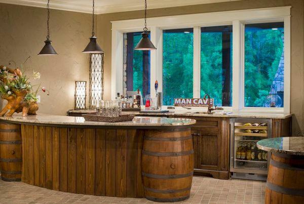 Weinfass stehtisch und viele andere diy m bel aus holzfass for Man cave kitchen ideas
