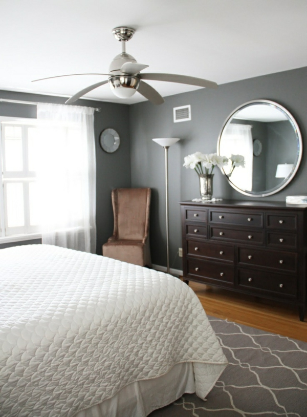 Gray walls dark brown furniture bedroom paint color for Farbideen schlafzimmer