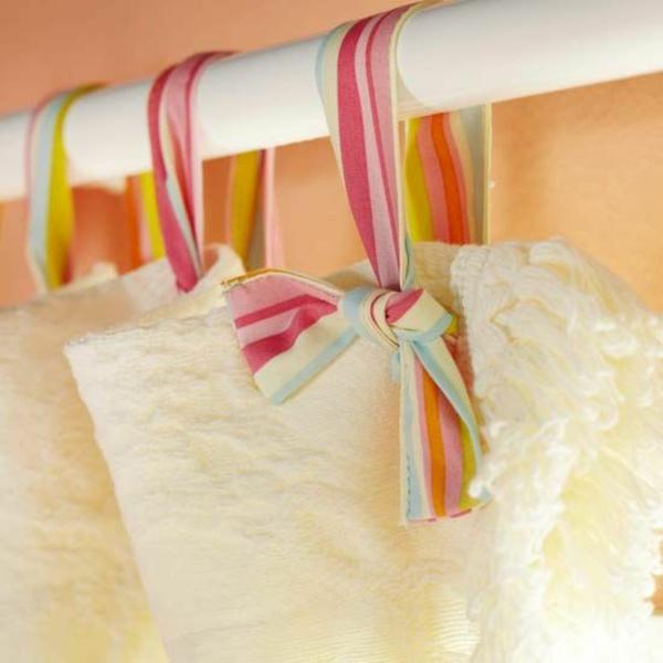 gardinen dekorationsvorschläge bunte schleifen